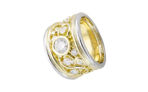 Gold Vintage Diamond Filigree Band Ring