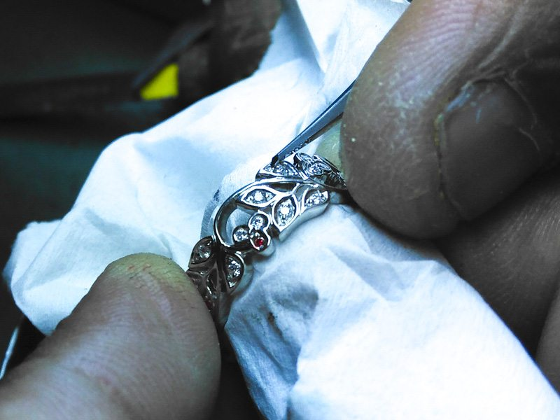 stunning-vintage-floral-style-platinum-wedding-band-with-milgrain-website-180