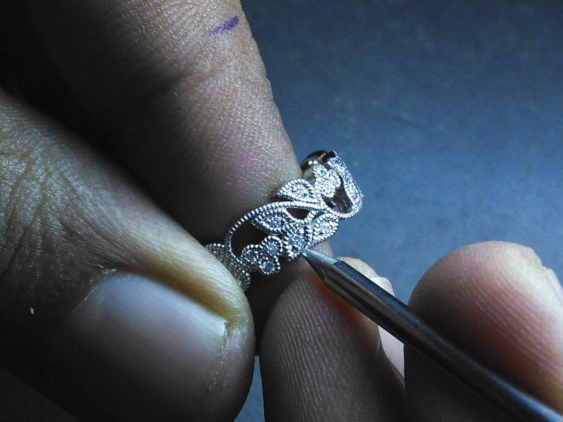stunning-vintage-floral-style-platinum-wedding-band-with-milgrain-website-181
