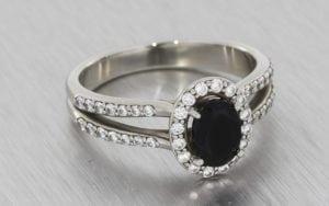 Oval onyx split shank halo engagement ring - Portfolio
