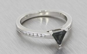 Trillion sapphire engagement ring - Portfolio